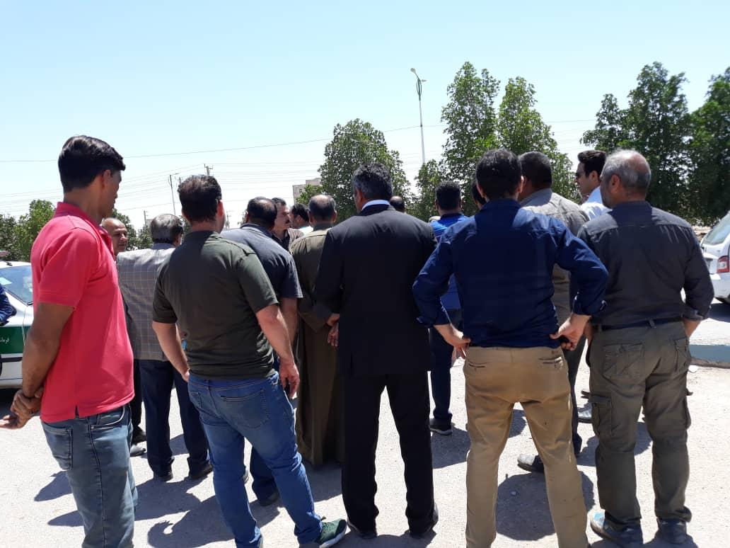 در شرایطی که خوزستان شدیدا نیازمند آرامش است چه کسانی؟ و چرا با صدور دستورات سلبی باعث ایجاد بحران و ایجاد تنش در میدان میوه و تره بار الغدیر شده اند؟
